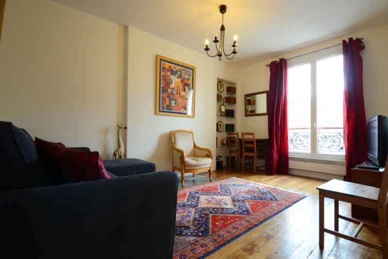 Center Pompidou Apartment Paris